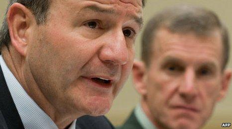 US ambassador to Kabul Karl Eikenberry (foreground) with Gen Stanley McChrystal