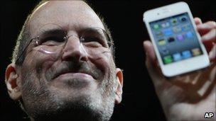 Steve Jobs with iPhone4, AP