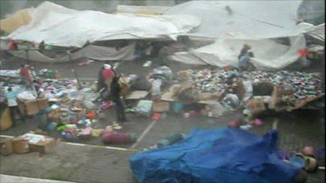 Heavy winds batter market stalls in Turkey's Erzurum province