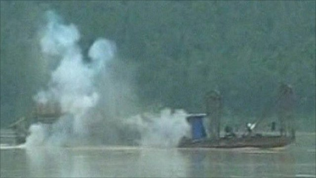 Soldiers blow-up Chinese boat