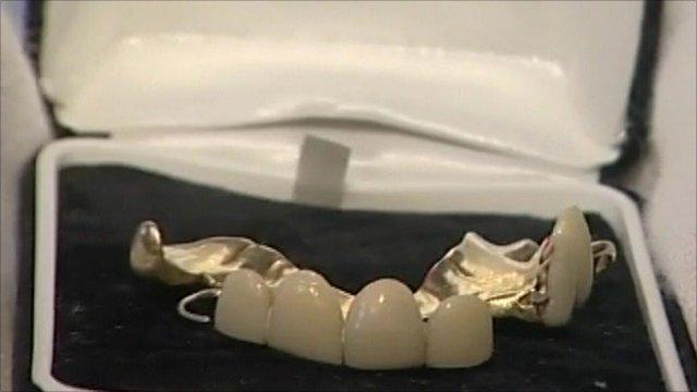A set of Churchill's false teeth