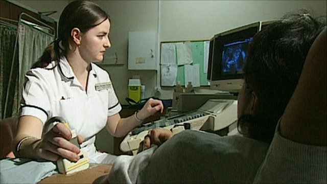 A pregnant woman has an ultrasound scan