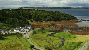 Glenuig Inn. Pic: HIE