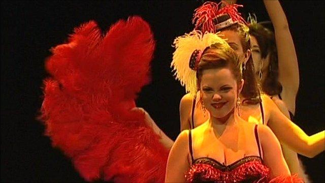 Burlesque dancers prepare for their Edinburgh show