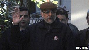Fernando Lugo leaving hospital on 6 August 2010