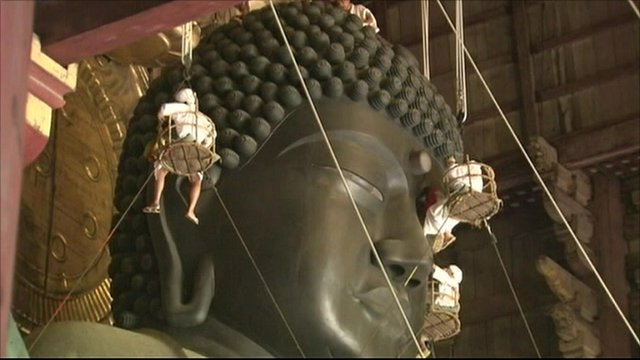 Great Buddha being cleaned
