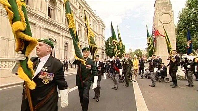 Veterans at service in London