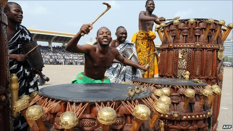 State drummers hit the Sika Fontomfrom drums during the inauguration of President John Atta Mills of Ghana at the Independence Square in Accra on 7 January 2009