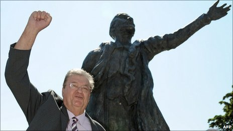 Georges Freche in front of a statue of Lenin in Montpellier on 18 August, 2010