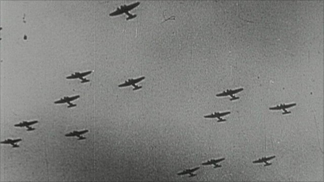 German planes in the sky during the Blitz