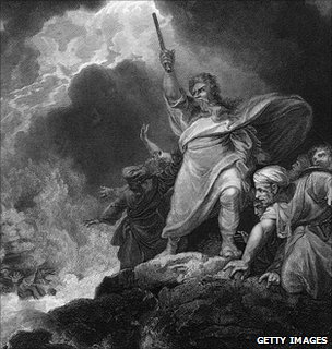 Moses commands the Red Sea to return