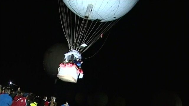 Balloons lift off from Bristol for the Gordon Bennett Cup