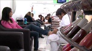 Women in a beauty salon, Sao Paulo