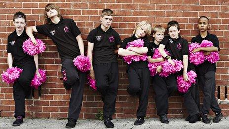 Dazl Diamond cheerleaders