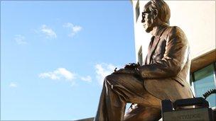 Statue of Professor Frank Pantridge