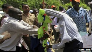 Northerners and southerners clash in Khartoum (9 October 2010)