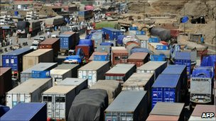 Lorries carrying Nato supplies parked at the closed Torkham border point (1 Oct 2010)