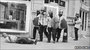 Ian Tomlinson filmed as he was apparently pushed to the ground