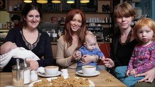 Natasha Hamilton and mothers at Oomoo café