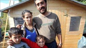 Roma family in the French northern city of Villeneuve d'Asq, 25 September 2010