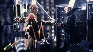 Tom Baker as the Doctor and Graham Crowden as Soldeed in The Horns of Nimon