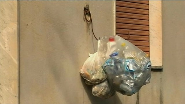 Rubbish in Naples