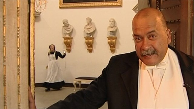 John Pienaar in Downturn Abbey