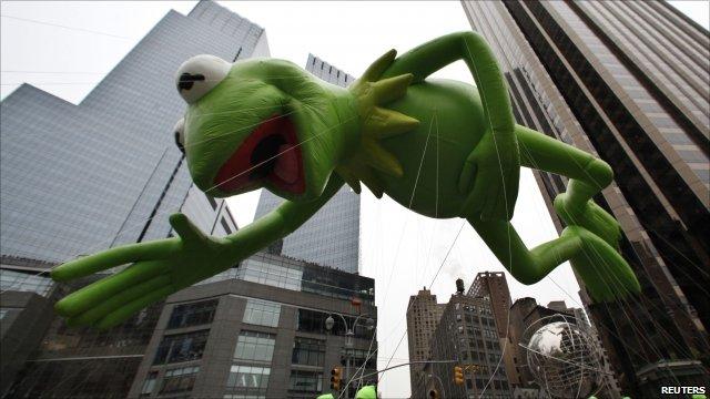 Kermit the Frog upstages Johnny Depp - BBC News