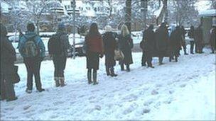 Bus queue on Morningside Road