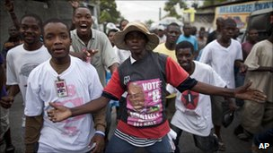 Supporters of Michel Martelly (1 December 2010)