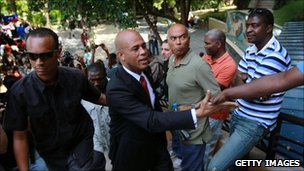 "Michel ""Micky"" Martelly greets supporters (29 November 2010)"