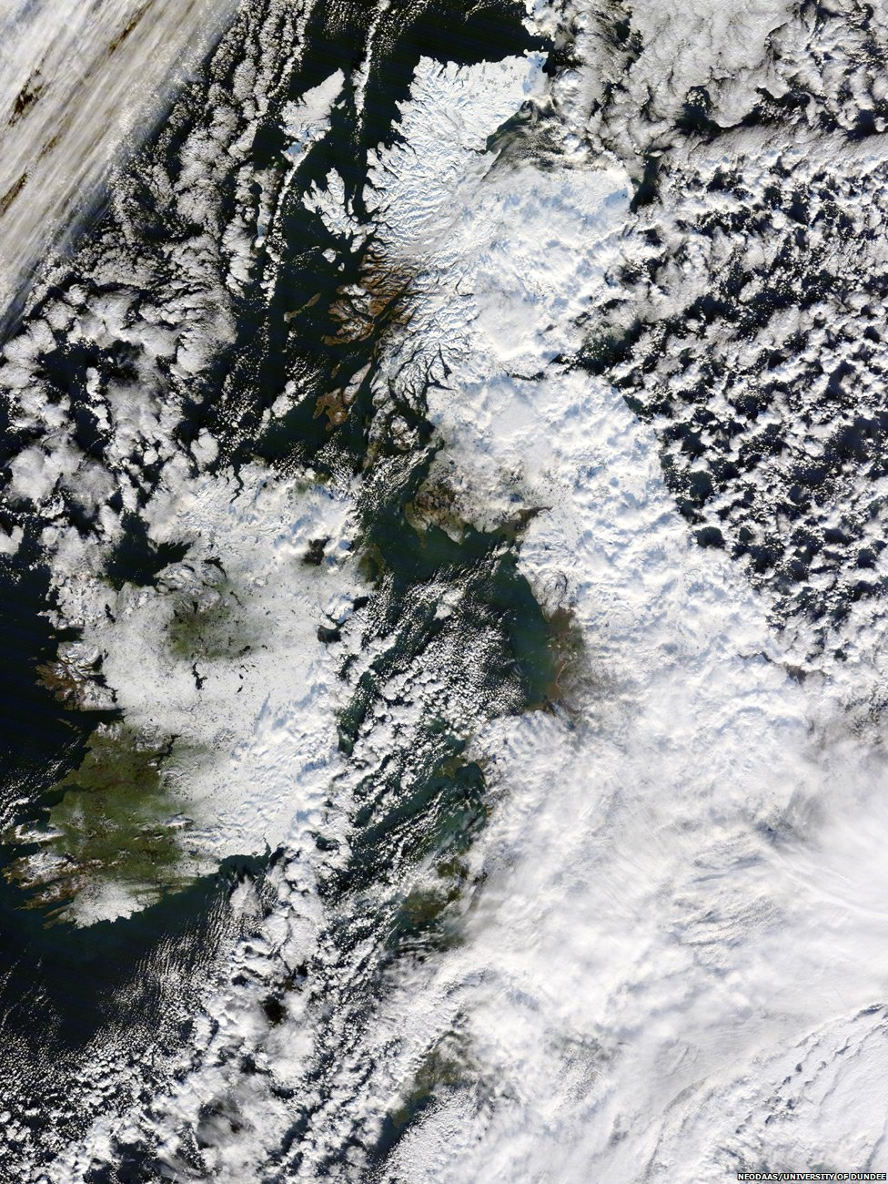 The UK covered in snow (image courtesy of NEODAAS/University of Dundee)