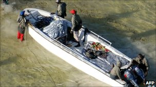 Crew of a suspect skiff boarding on the coast of Somalia (Dutch Navy picture, released 24 November 2010)