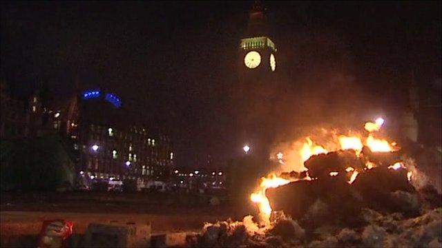 Fire burns near Big Ben