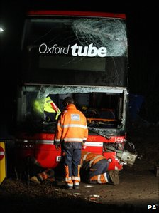 Oxford Tube bus crash on M40