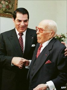 Tunisian President Ben Ali (L) pays a visit to former Tunisian President Habib Bourguiba, at Monastir on 14 May 1999