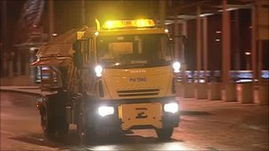 Gritter vehicle