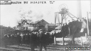 Crowds at the pit head in the aftermath of the Pretoria Pit Disaster (picture courtesy of Bolton Museum)