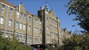 Campws Townhill y brifysgol