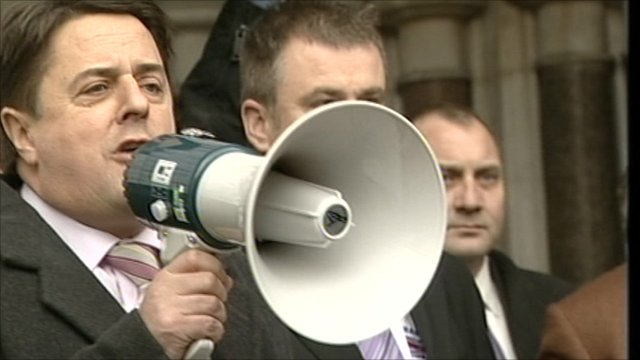 Nick Griffin addresses crowds outside court