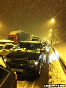 Stranded cars on M6