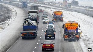 Gritters on the M5