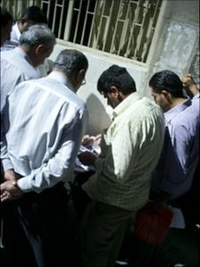 Unofficial paper processors on the street in Damascus