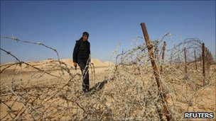 An Egyptian soldier near the border with Israel (November 2010)