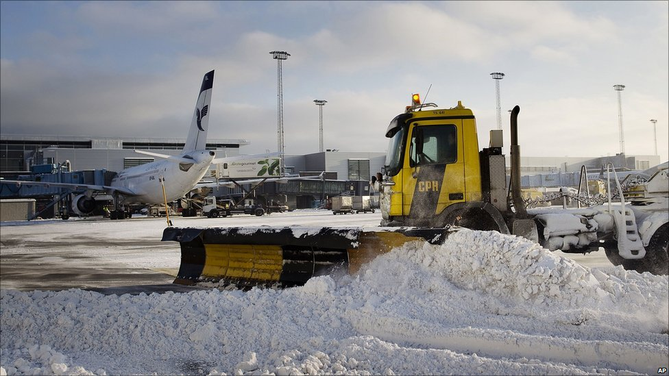Bbc News In Pictures Icy Europe Weather Causes Travel Chaos