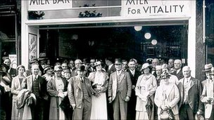 A National Milk Bar from 1935