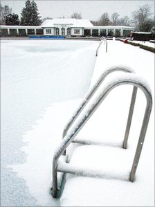 Snow at Sandford Parks Lido in Cheltenham