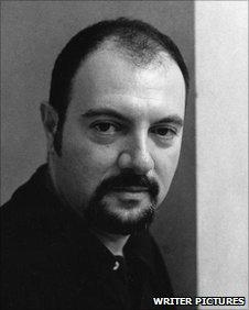 Ialian author Carlo Lucarelli