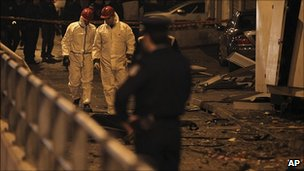 Police at scene of Athens bombing, 31 Dec 10