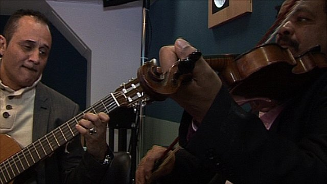 North Sudanese musicians Nadir Ramzy and Afifi Ahmed
